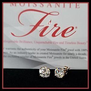MOISSANITE FIRE